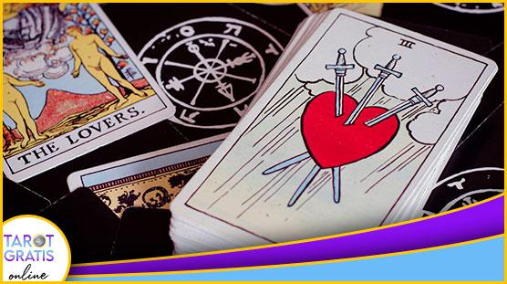 consulta con el tarot de los arcanos del horoscopo diario - club esoterico